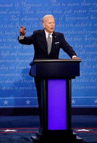 حملة جو بايدن للانتخابات الرئاسية الأمريكية تجمع تبرعات قياسية