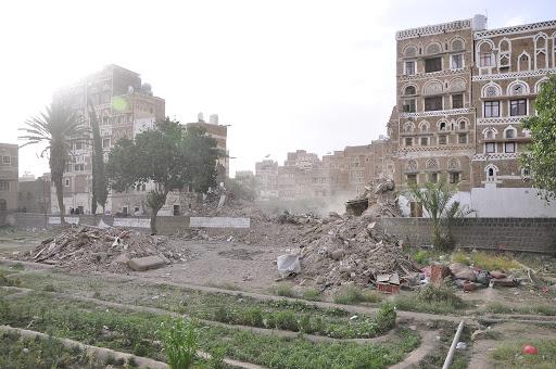 غارات التحالف السعودي للعاصمة صنعاء تهدد بانهيار المعالم التاريخية لصنعاء القديمة والمنظمات تحذر